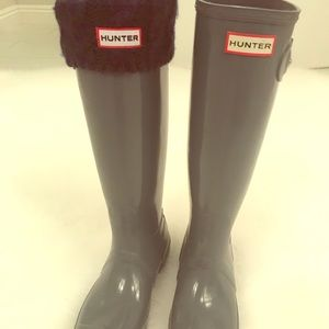 Women's Hunter Tall Rain Boots and socks